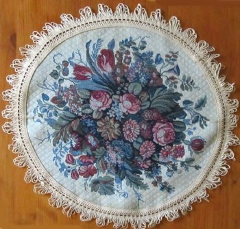 Table Mat Circular with floral pattern