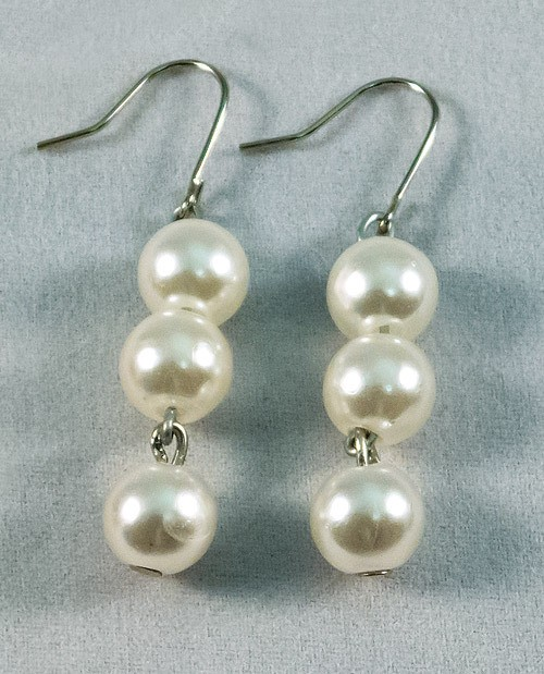 Earrings beads pearl
