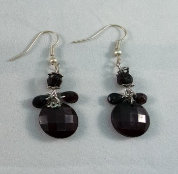 Earrings beads black