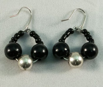 Earrings beads black and metallic mix