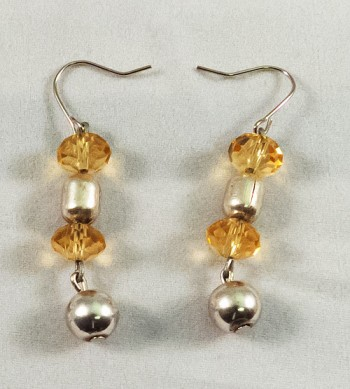 Earrings beads yellow and metallic